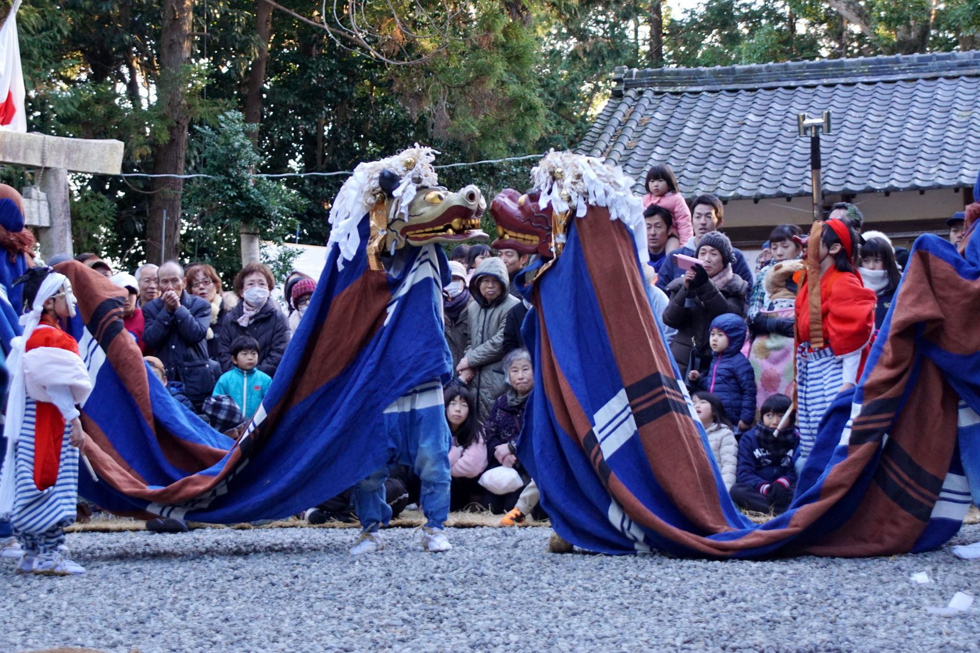 宇賀多神社獅子舞奉納-堀松批佐さん撮影