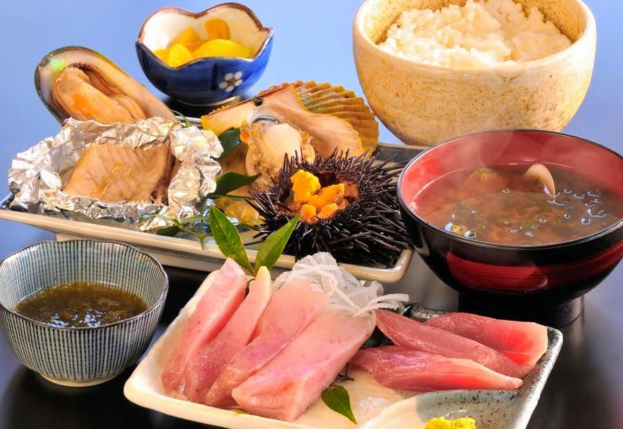 丸魚食堂の焼物定食