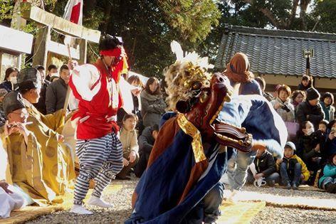 宇賀多神社の獅子舞